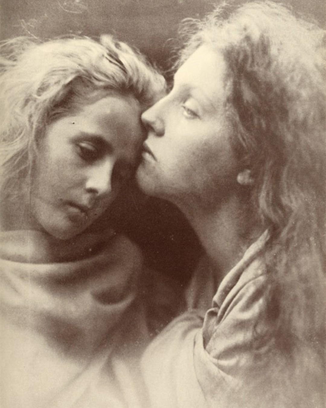 Julia Cameron early portrait